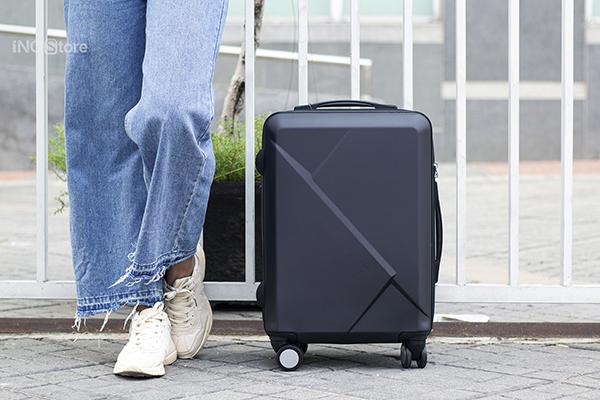 Vali size lớn nhất là bao nhiêu ? Vali size 28 đựng được bao nhiêu kg ?