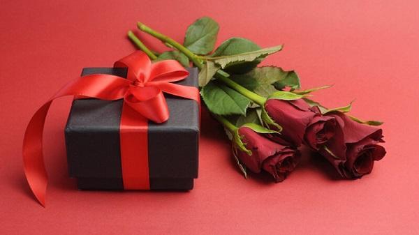 Mua quà gì tặng sinh nhật con gái, em gái, bạn gái ý nghĩa và độc đáo nhất 2021