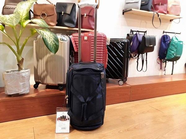 Nên mua túi kéo du lịch vải bố doma hay túi kéo du lịch sakos